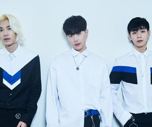 article, band, and kpop image