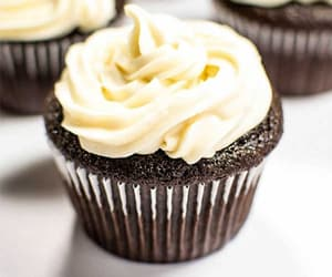 cupcakes, crème, and yummy image