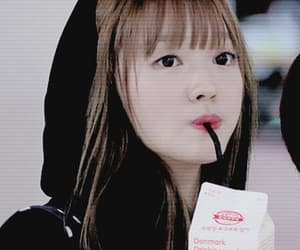 yooa, oh my girl, and kpop icon image