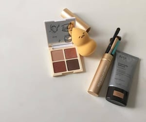 aesthetic, makeup, and minimal image
