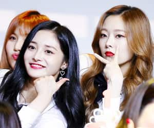 pinky, eunwoo, and jieqiong image