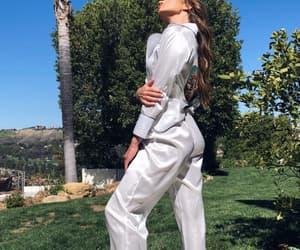 body, fashion, and vlogger image