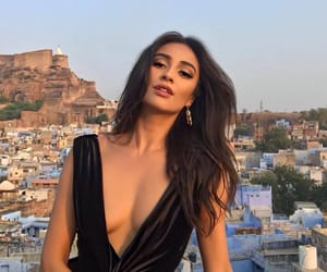 shay mitchell, celebrity, and pretty little liars image