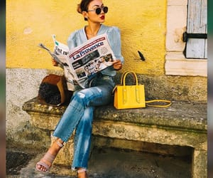 banca, periódico, and bolso image
