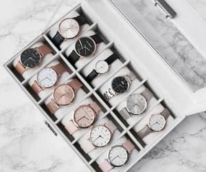 clock, accesorios, and accesorio image