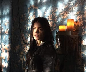 marie avgeropoulos and octavia blake image