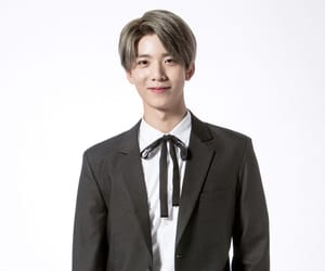 kpop, 에스에프나인, and hwiyoung image