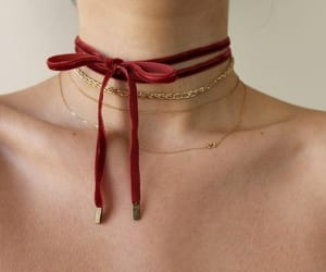 aesthetic, red, and red choker image