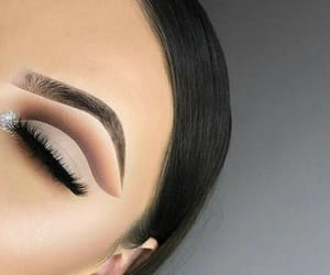 matte and cut crease image