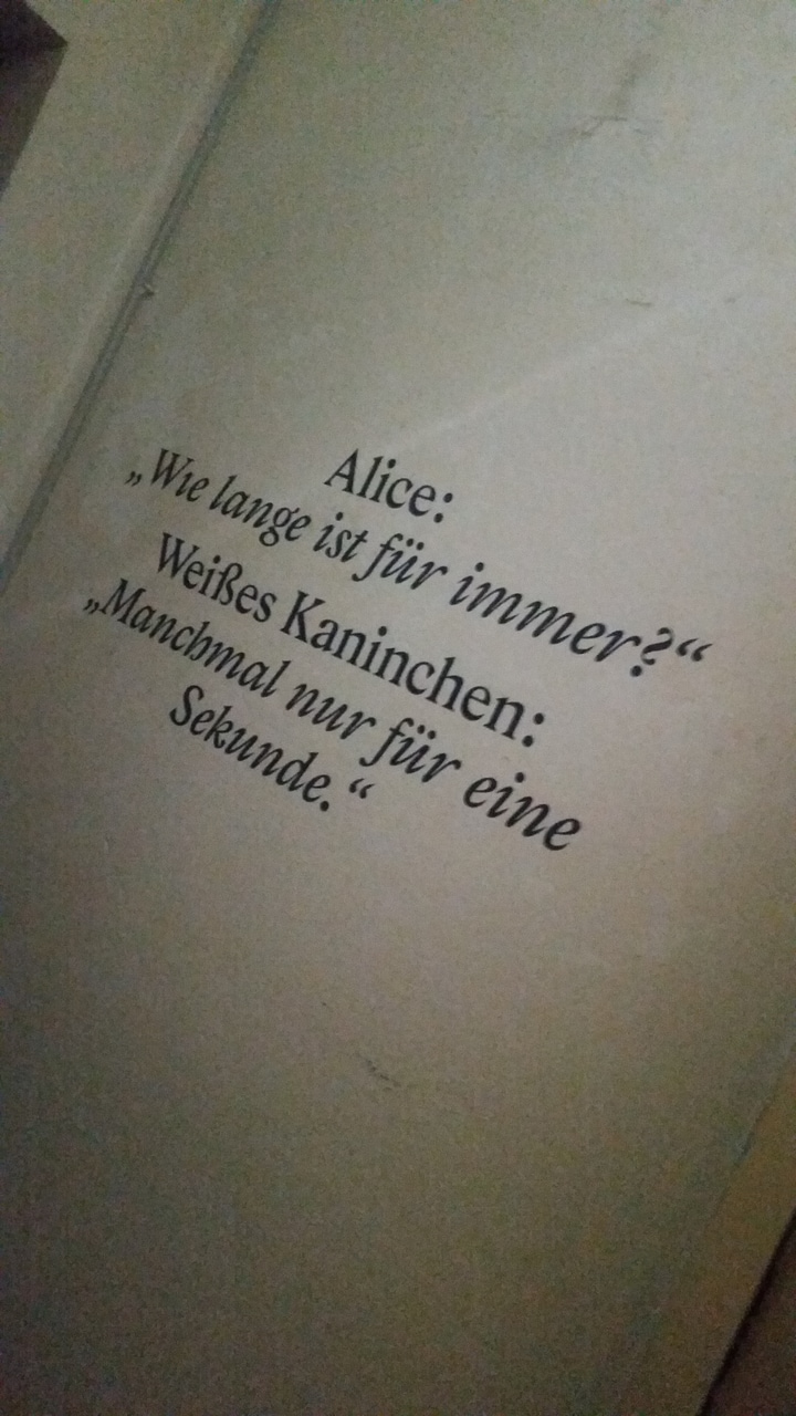 Alice Im Wunderland Discovered By Nathalie On We Heart It