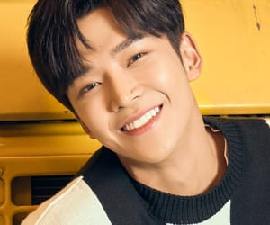 kpop, 로운, and rowoon image