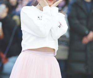 daisy, yeonwoo, and jane image