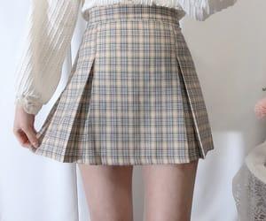 moda and skirt image