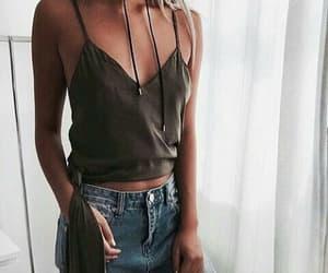 moda, verde, and blusas image
