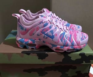 bubblegum, sneakers, and nike's image