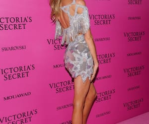model, style, and vsfs image
