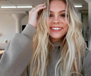 jones, pretty, and selfie image