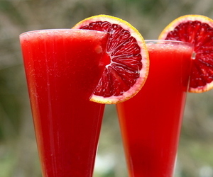 drink, red, and juice image
