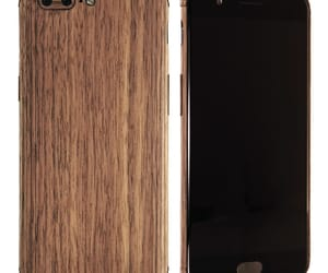 wooden cases and custom phone caes image