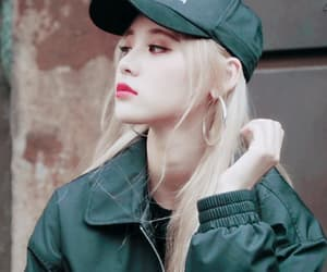 jinsoul, loona, and gif image