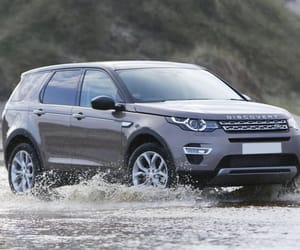 landrover and discoverysport image