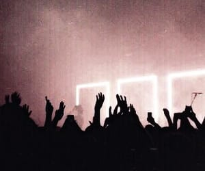 concert, pink, and the 1975 image