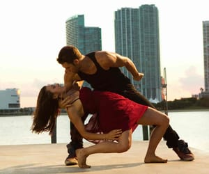 how to dance bachata image