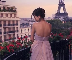 dress, luxury, and Plaza image