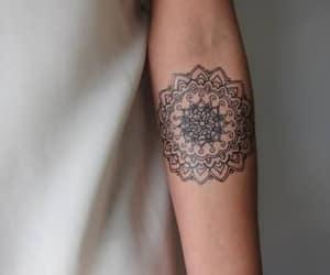 desenho, mandala, and tattoo image