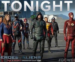 arrow, crisis, and DC image