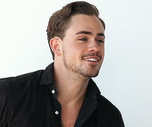 gif, dacre montgomery, and actor image