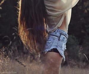 hair, long hair, and shirt image
