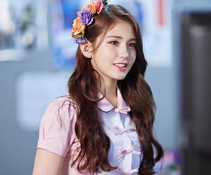 flowers, ioi, and somi image