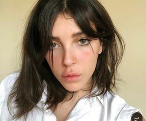 brunette, garotas, and no makeup image