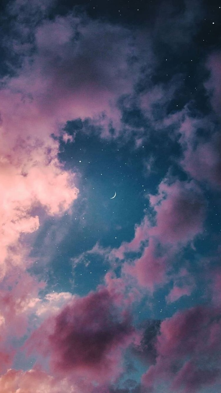 Moon Wallpaper Discovered By Katy On We Heart It