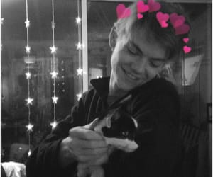 thomas sangster, cat, and newt image