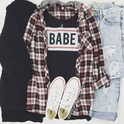d8db814f7 Tumblr Outfits For School on We Heart It