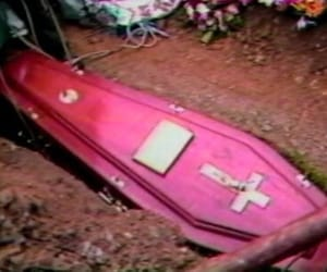 coffin, death, and grunge image