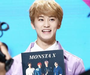 mark, mark lee, and sm rookies image