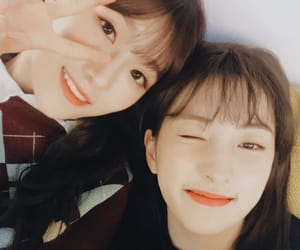 eunseo, dawon, and cosmic girls image