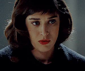 gif, lizzy caplan, and love image