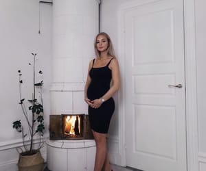 fashion, outfit, and pregnancy image