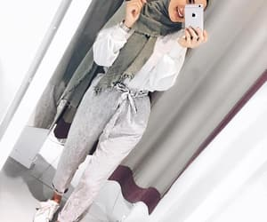 hijab, modest, and 2018 trends image