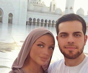 abu dhabi, couple, and muslim image