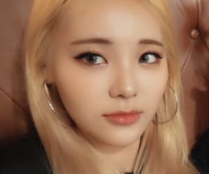 lq, jinsoul, and loona image