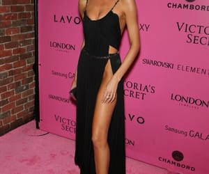 angel, style, and pink carpet image