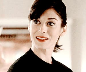 beauty, gif, and lizzy caplan image
