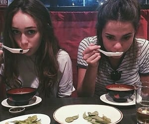 maia mitchell, alycia debnam carey, and the 100 image