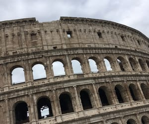 colosseum and rome image