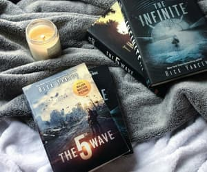 book, the 5th wave, and the infinite sea image